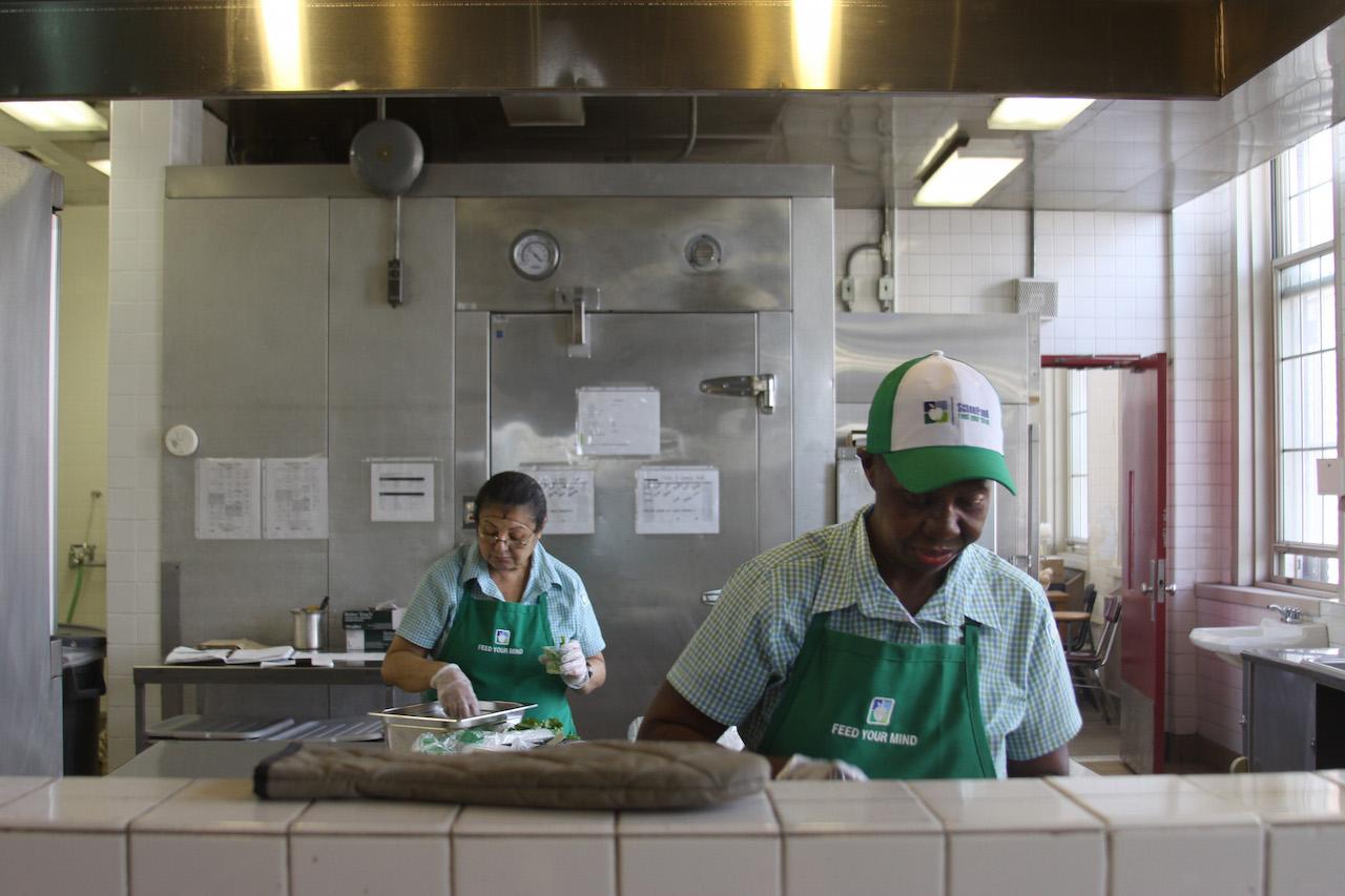 Unions criticize high school lunch programs